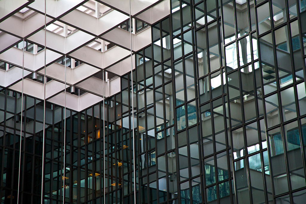 IMAGE: http://mr-bill-photography.smugmug.com/Abstract/Architecture/US-Bank-Center-Minneapolis/1170660652_CgFSU-XL.jpg